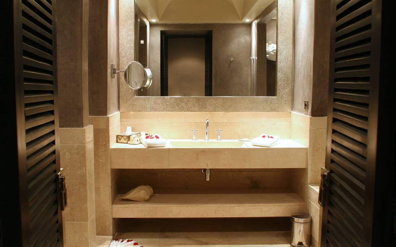 bathroom of the junior suite
