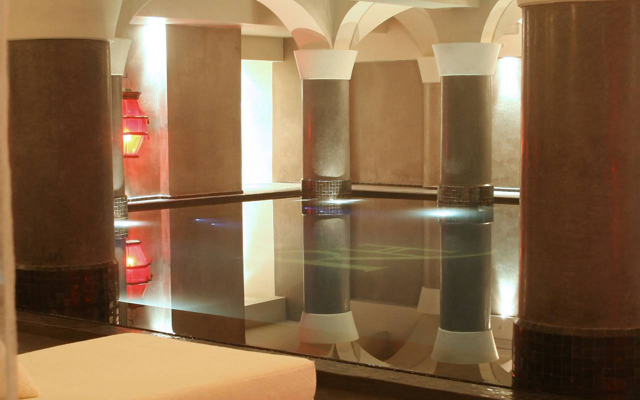 luxurious indoor swimming pool SPA