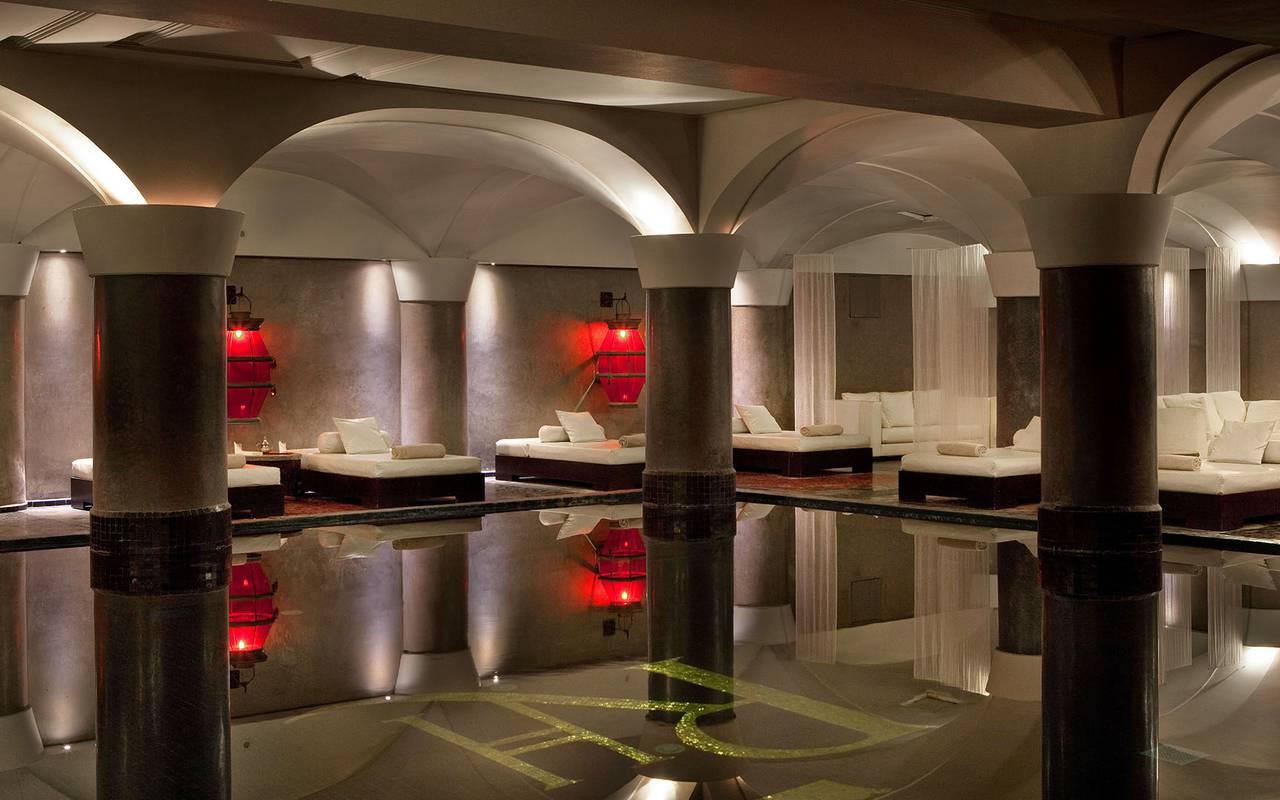 SPA luxueux avec piscine intérieure