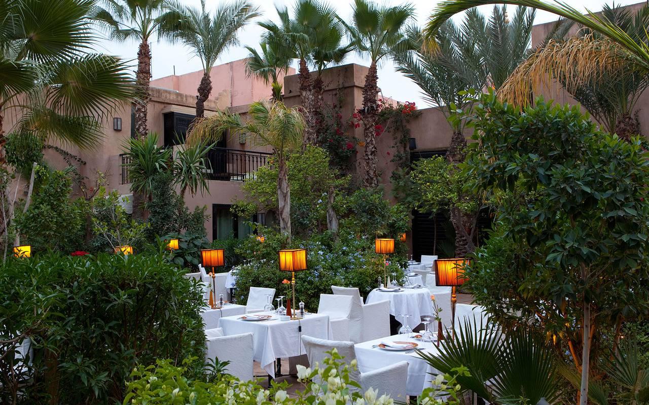 belle terrasse de restaurant marocain